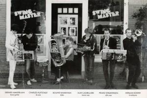 Foto Swingmaster op hoes Noodband